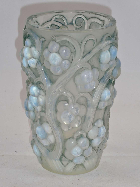 Lalique Raisins Vase