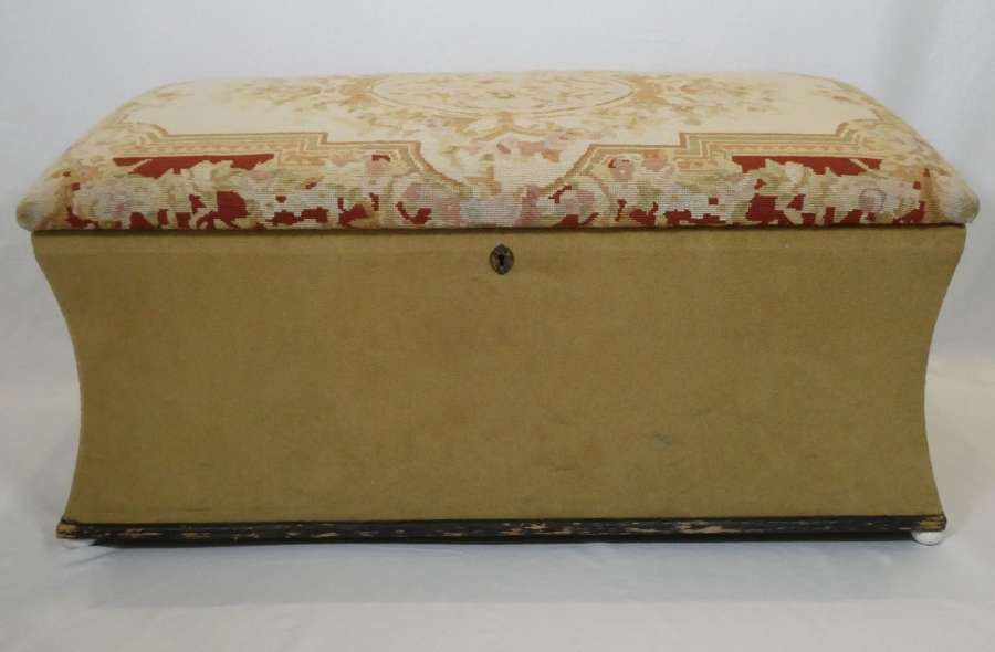 Ottoman with Embroidery Top