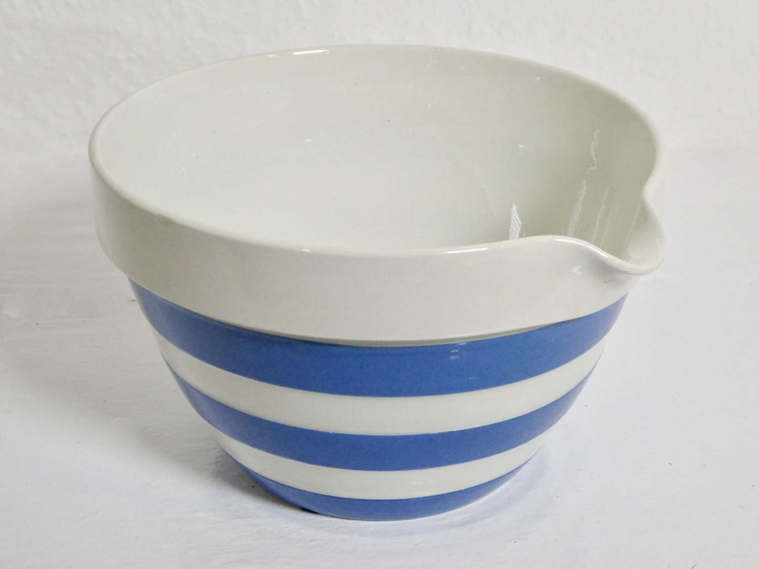 Cornishware Pouring Bowl